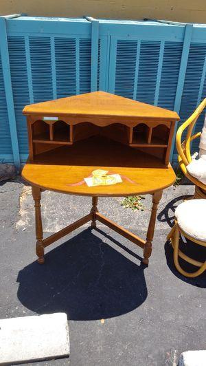 Corner Desk for Sale in Oakland Park, FL