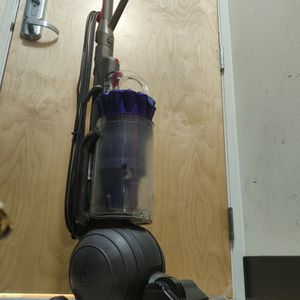Reduced Price: DYSON DC41 Animal *PRICED TO SELL FAST* for Sale in Seattle, WA