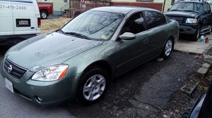 2003 Nissan Altima 2.5ltr 189k, clean inside out, new tires new battery runs great, heat, AC ,REMOTE START for Sale in East Riverdale, MD