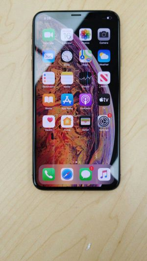 """iPhone XS Max 64GB FACTORY UNLOCKED"""" Like brand new with warranty for Sale in Silver Spring, MD"""