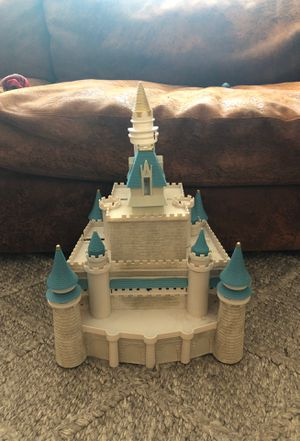 Princess castle 🏰 free for Sale in Alexandria, VA
