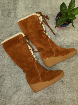 Michael Kors Women Brown Suede Lace Up Sherpa Lined Boots sz 7.5 for Sale in Glassboro, NJ