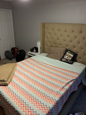 Fabric bed frame and headboard (Queen) for Sale in HAINESPRT Township, NJ
