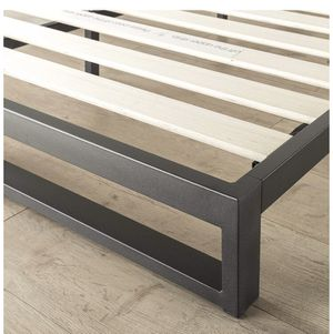 Metal bed frame queen size for Sale in St. Louis, MO