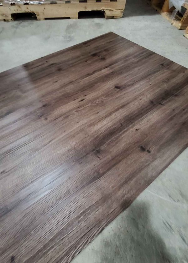 Luxury vinyl flooring!!! Only .60 cents a sq ft!! Liquidation close out! RH6V