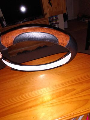 Woodgrain matching steering wheel cover for Sale in Tampa, FL