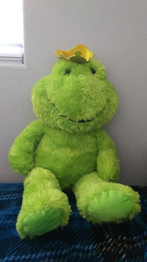 Jombo plush frog for Sale in Bloomington, CA