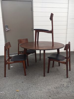Mid century modern dining table/chairs for Sale in Orange, CA