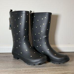 Waterproof Women's Rainboots - Size 6 for Sale in Tacoma, WA