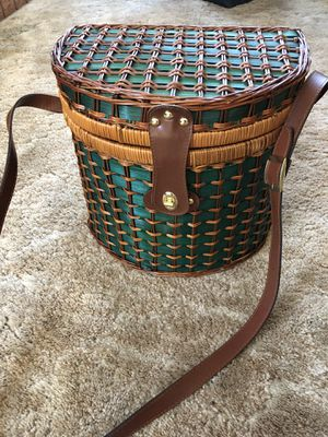 Vintage Picnic Basket with items inside included for Sale in Crockett, CA