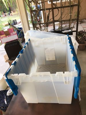 Plastic container for storage with the cap, open in the middle for Sale in Fresno, CA