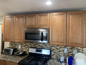 Kitchen cabinets for Sale in Woodbridge Township, NJ