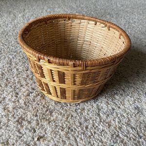 ‼️Two-Toned Wicker Basket‼️ for Sale in Fenwood, WI