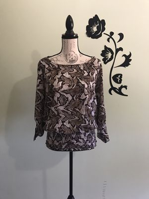 Michael Kors Women's Top Size Large with Stretchy waist, Snake print and adjustable sleeves beautiful stylish blouse! for Sale in West Covina, CA
