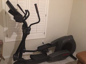 Life Fitness Elliptical Machine with Workout Profiles available on October 31st. $100.00 for Sale in Phoenix, AZ