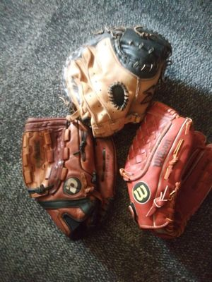 2 Baseball Gloves catchers mitt for Sale in Houston, TX