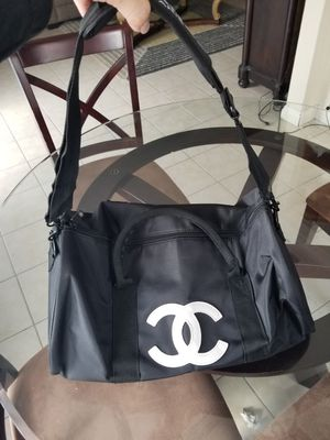 Chanel NYLON carrying for Sale in San Marcos, CA