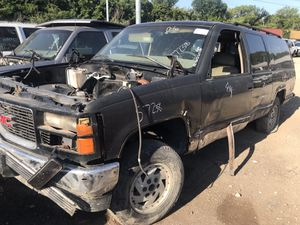 1992 - 1999 GMC SUBURBAN (PARTS ONLY) 1993; 1994; 1995; 1996; 1997; 1998 for Sale in Dallas, TX