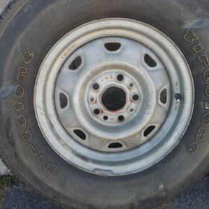 Ford stock steel rim, 14 inch 5 on 4.5 lugs for Sale in Pico Rivera, CA