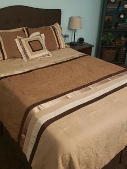 Comforter Set - Queen - Embroidered for Sale in Placentia,  CA