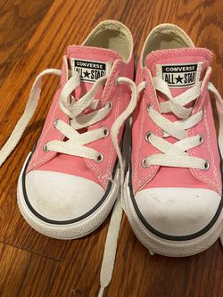 Pink Converse All Star Kids Size 9 for Sale in Finleyville,  PA