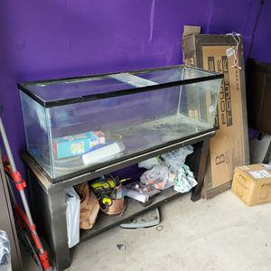 BIG FISH TANK.......... FREE. FREE. FREE for Sale in Los Angeles, CA