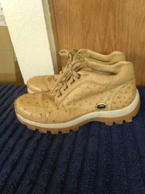 Men shoes size 10.5 for Sale in Madera, CA