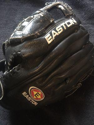 Easton baseball glove 12 1/2 inches, Softball or baseball for Sale in Fullerton, CA