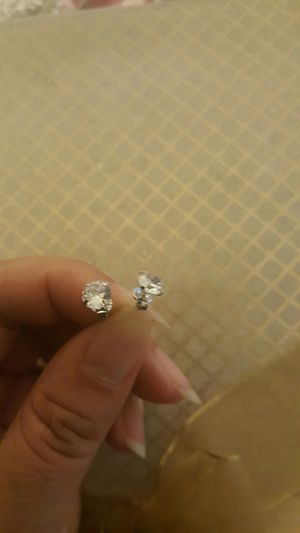 925 sterling silver zircon diamond small stud earrings for men and women for Sale in Moreno Valley, CA