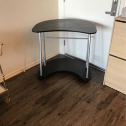 Desk for Sale in Irvine,  CA