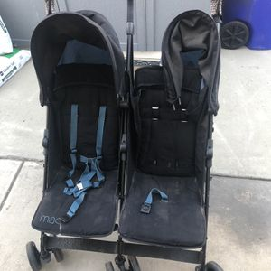 Double Umbrella Stroller for Sale in San Bernardino, CA