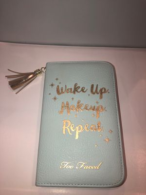 Too Faced makeup eyeshadow palette for Sale in Sun City, AZ