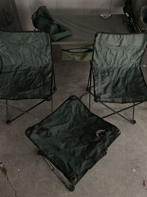 Camping chairs and table all for 20 for Sale in Irwindale, CA
