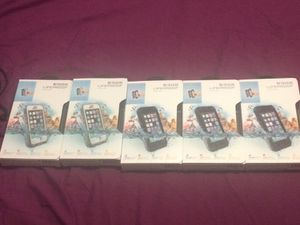 LifeProof cases white/black iphone 5/5s for Sale in Miami, FL