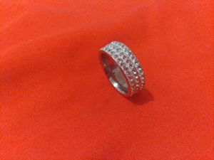 Women's Diamond Ring for Sale in Signal Hill, CA
