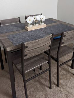 Dining Table Set for Sale in Riverside,  CA