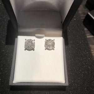 Diamond 💎 Stud Earrings for Sale in Alhambra, CA