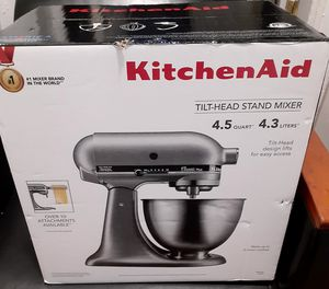 Kitchen Aid tilt head Silver Classic for Sale in New York, NY