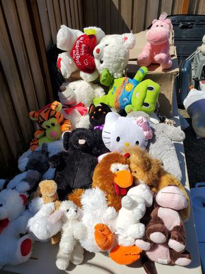 Daughter is 13 years old. This was all her stuffed animals over the years. Only 60 bucks for 21 of them. Great shape. Been in shed for a few years. for Sale in Clackamas, OR