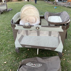 Pack N Play With Changing Table And Cozy Bassinet for Sale in La Mirada, CA