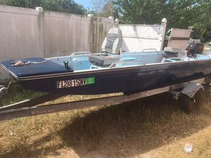 14 ft Jon Boat 15 hp (se habla español) for Sale in Haines City, FL