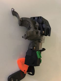 Ignition Switch For 2001 To 2005 Honda Civic for Sale in Happy Valley,  OR