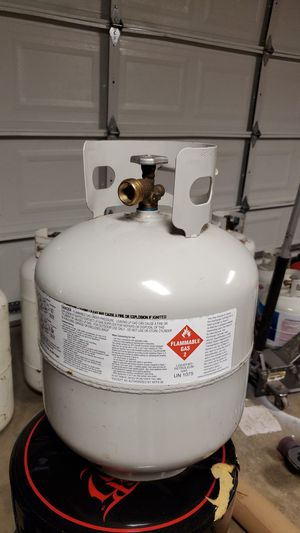 5 gallon propane tank Full for Sale in Tacoma, WA