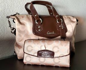 Coach hand bag mint condition received as a gift. for Sale in Thornton, CO