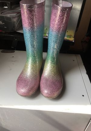 Rain boots for Sale in Adelanto, CA
