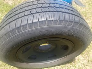Michelin 275/65/18 tire with lots of tread 8 lug for Sale in Tampa, FL