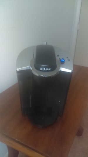 . Keurig coffee maker model number B-140 for Sale in Columbia, SC