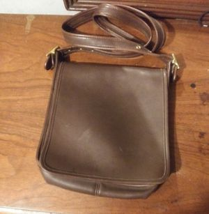 Vintage COACH Legacy Cross Body Bag Serial Number J9C-9144 for Sale in Whitman, MA