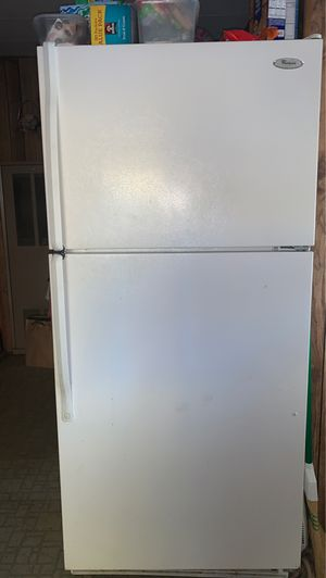 Whirlpool Refrigerator for Sale in Hollister, CA