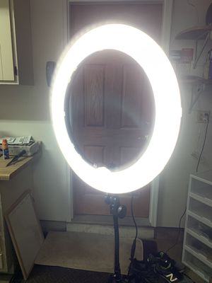 Dimmable Neewer ring light makeup light for Sale in Elk Grove Village, IL
